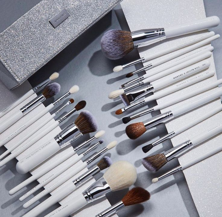 Authentic 100 Guaranteed Brand new in box 24 piece brush