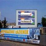 Druk banerów reklamowych_ montaż na konstrukcjach reklamowych elewacjach