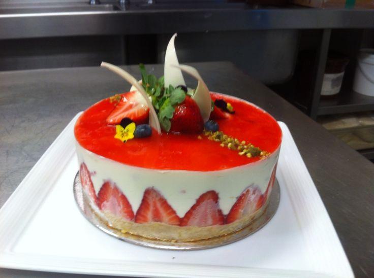 Fraisier cake