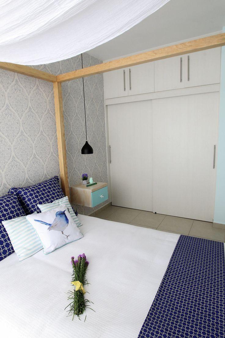 Una bonita cama con dosel #bluebedroom, #indigo, #camascondosel , #bluepalette