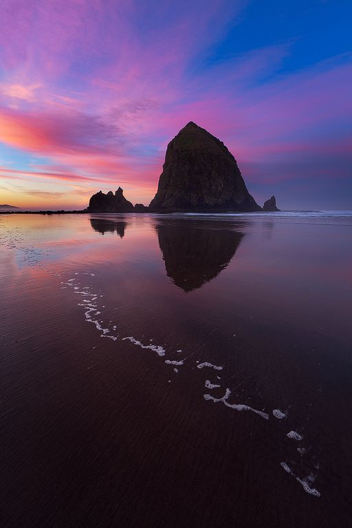 My Favorite Beach, Cannon Beach, Oregon. Foamy Foamy by Ron Coscorrosa, via 500px