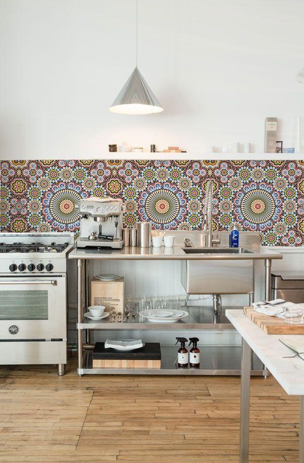 Con un frente de mosaico cocinas kitchens pinterest - Cocinas con mosaico ...