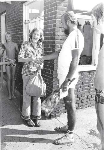 09520: De 100.000ste bezoeker is Heleen Verduin.1976