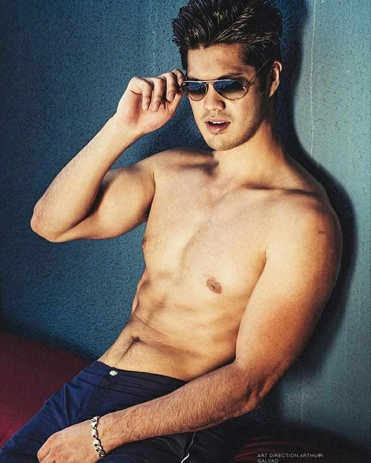 Pin by Juli Singh on 13 reason why | Ross butler, Ross