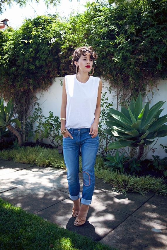 love karla´s styleA Mini-Saia Jeans, Clothing Style, Red Lips, Woman Clothing, Nude Heels, Fleas Marketing, Boyfriends Jeans, Prom Dresses, Teen Clothing