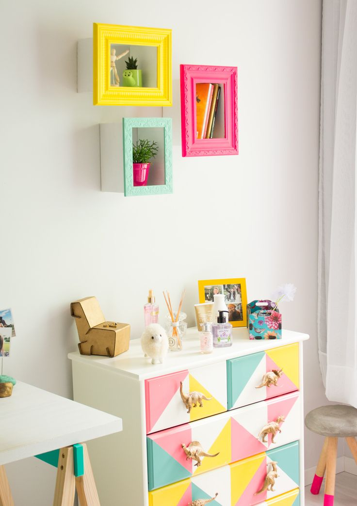 Cute and colorful framed shelfs. Learn how to make it :)