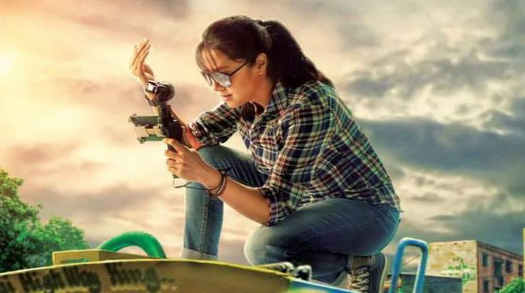 After the success of 36 Vayadhinile, actor Jyothika will be next seen in Bramma's Magalir Mattum drama flick.