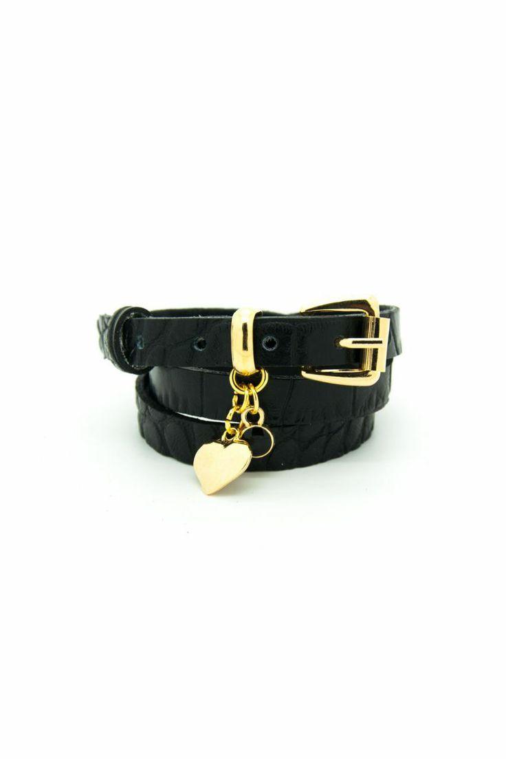 Siyah crocodile desenli deri bileklik, altın kaplama kalp ve siyah boncuk aksesuarlı. Armparty. Leather bracelet.