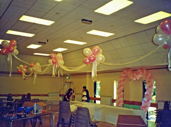 64 best images about class reunion ideas on pinterest for Balloon decoration classes