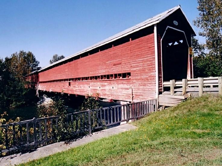Pont couvert - Saint-Edgar