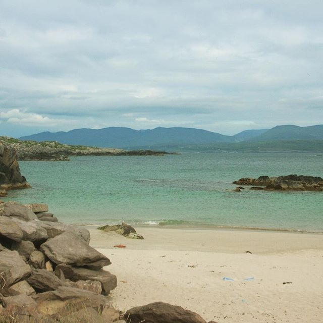 Il cielo d'Irlanda é Dio che suona la fisarmonica- si apre e si chiude al ritmo della musica (F.Mannoia)