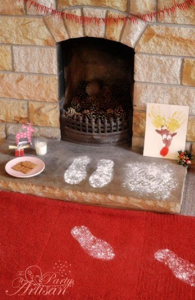 Adorable Santa's footprints. -38 Last-Minute Budget-Friendly DIY Christmas Decorations