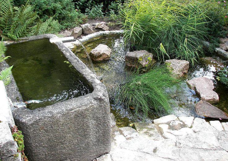 Ein kleiner Wassergarten :-) Ein geheimer Garten mit verstecktem Sitzplatz - Gestaltungsbeispiel