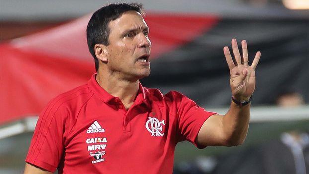 Zé Ricardo evita pensar na distância para o líder: 'Temos que fazer nossa competição'