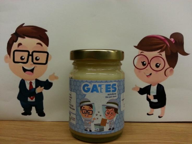 Gates Solutions, cabinet de recrutement basé à Genève, parraine une ruche.  La récolte est offerte aux candidats lors d'entretiens d'embauche et aux entreprises qui font appel à leurs services !