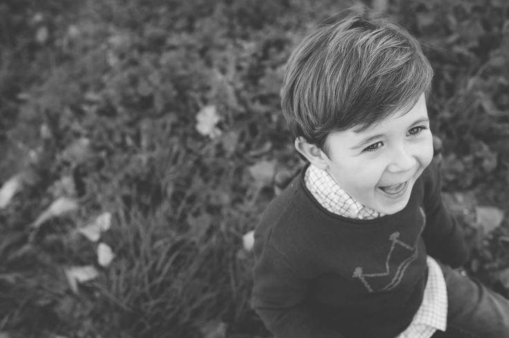 Fotografía de #Familia en #Castellón y #Valencia - Reportajes para niñas y niños en el bosque - Retrato en Blanco y negro -#Otoño #Autum #Kids #Portrait #Camp #Campo #BlackAndWhite