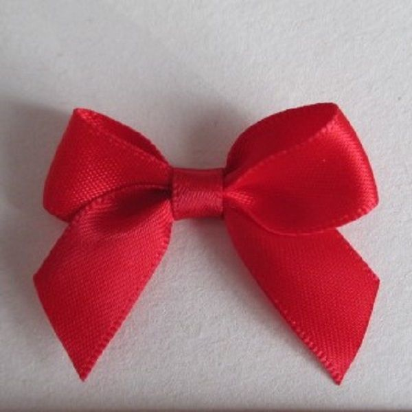 SATIN BOWS APPROXIMATELY 4cm ACROSS PANTONE COLOUR CHART - 243 RED WEDDING STATIONERY SUPPLIES FROM www.vintagelaceweddingcards.co.uk PLEASE SHARE