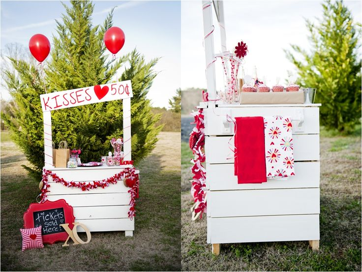 Valentines Day Mini Sessions A Kissing Booth Lavender