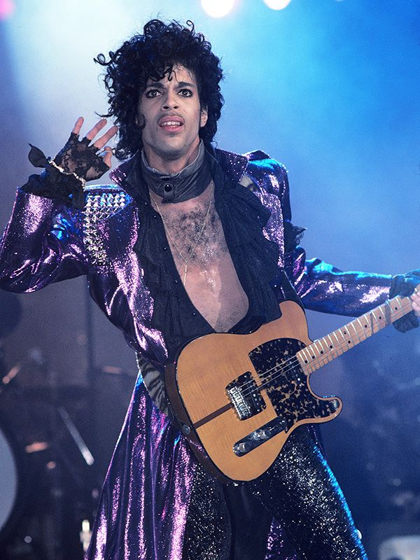 Prince Dead at 57: Singer Found Dead in Elevator at Minnesota Home http://www.people.com/article/prince-dead-at-57