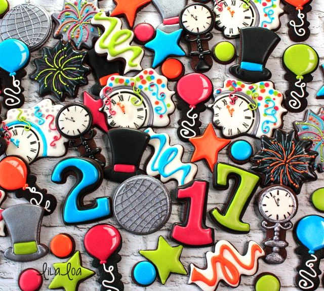 Make decorated sugar cookies that look like a New Year's Eve party!! --Tutorial