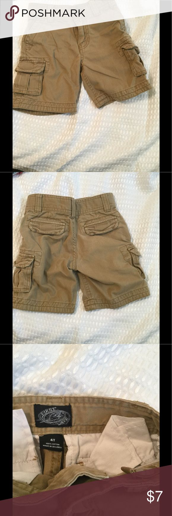 Boys cargo shorts 4T Nice cargo shorts for boys for spring/summer.  No stains, rip or tears. First Wave Bottoms Shorts