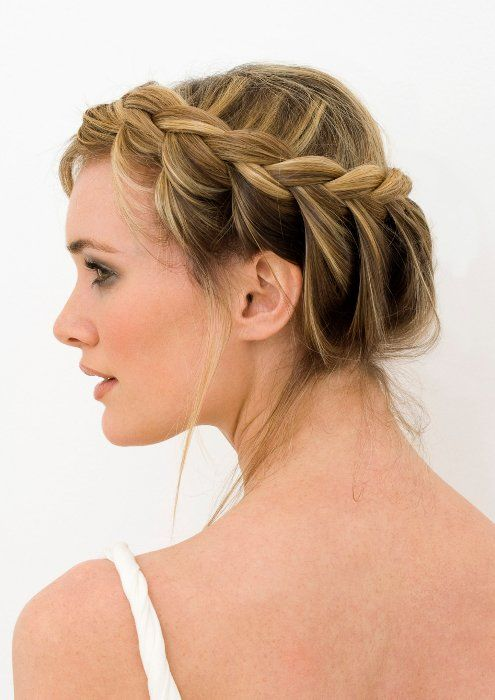 Women Hairstyles For Round Faces Popular Haircuts Crown