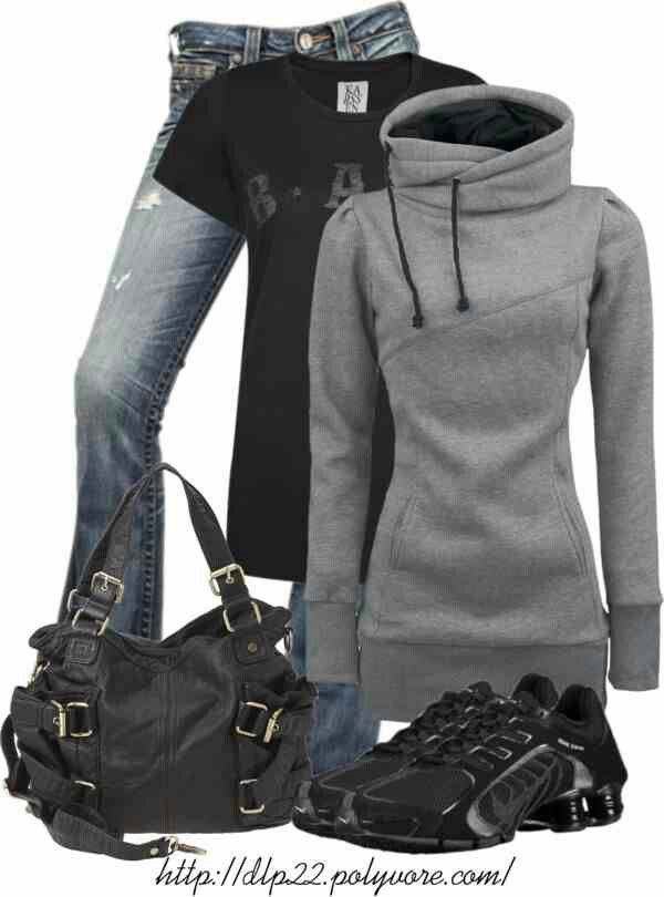 Skip the sneakers ! Love the rest of the outfit ! Comfortable and sporty !