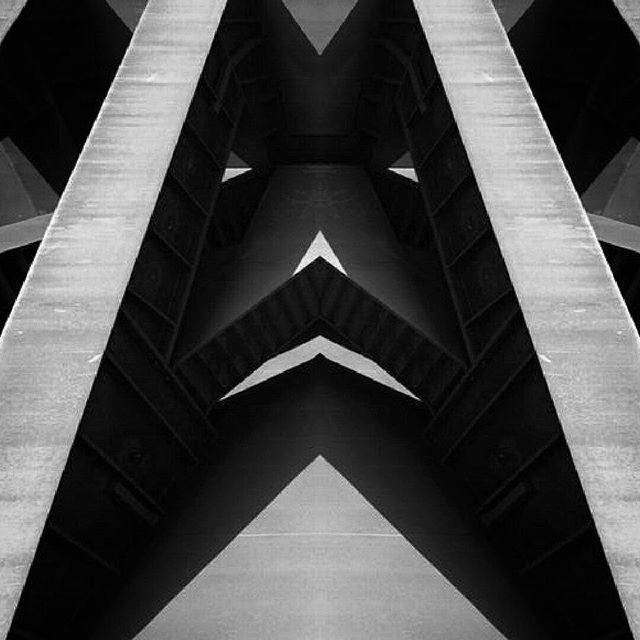 Kaleidoscopic forms with minimal tones  Paracosm series by Spiros Katopodis #paracosm #eyefixstudio