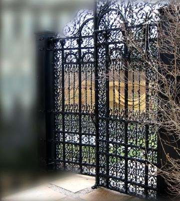 17 mejores ideas sobre puertas de jard n de hierro en - Puertas metalicas jardin ...