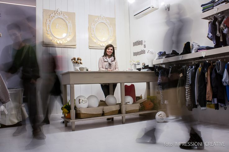 L'interno di Tutù Outlet con la Titolare, Marcella Petraro