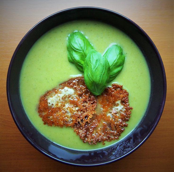 Diétás brokkolikrémleves