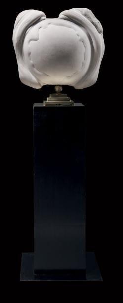 Etonnante Gogotte de Fontainebleau Soclée sur une monture en métal doré surmontant une base en bois noirci Dim. de la gogotte H. 45 cm - L. 50 cm - Binoche et Giquello - 07/03/2017