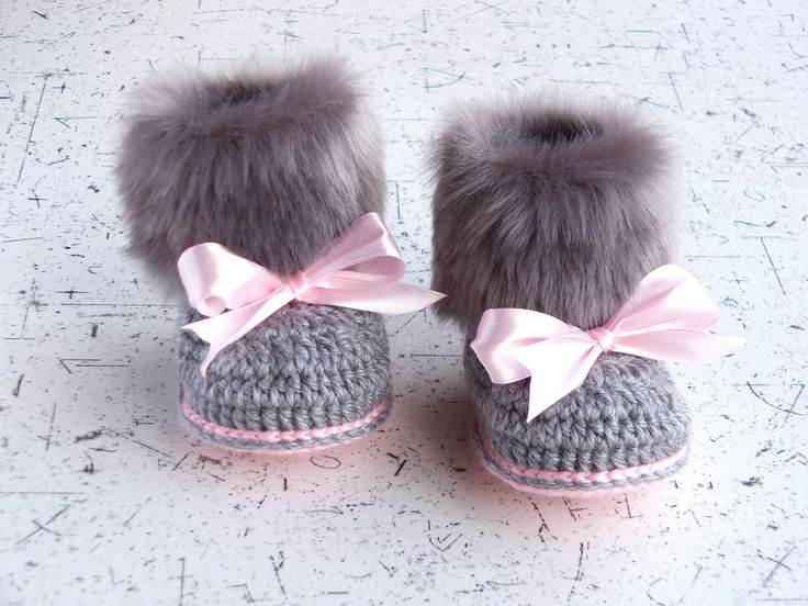 Faux fur baby girl Booties - Gray and pink - Newborn winter Boots - Crochet Toddler slippers - Baby Uggs - Baby girl gift - Baby girl shoes by HandmadebyInese on Etsy