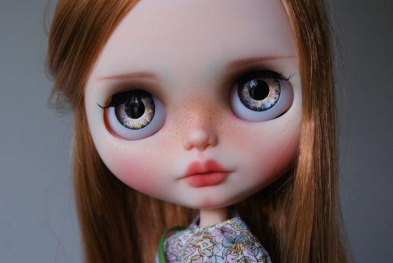 Karamel zakázku OOAK blythe doll jedinečné umělecké panenky ze strany