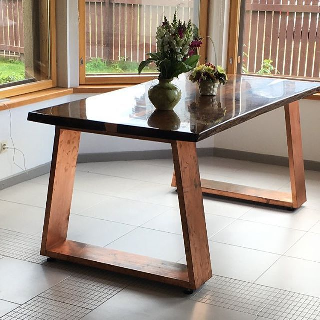 Dining table SARMA. Solid copper, live edge oak with copper inlay and epoxy resin finish.