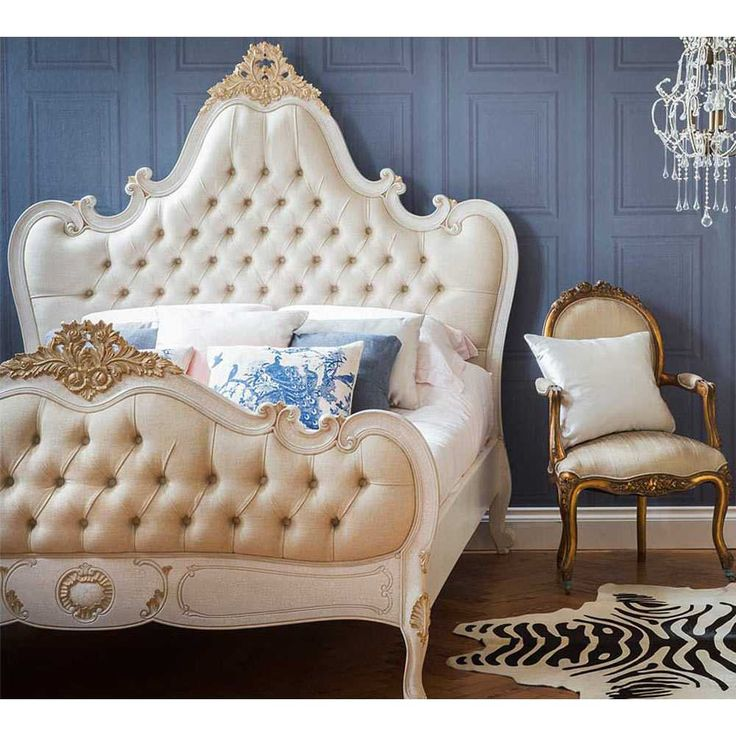 Palais Button Upholstered Bed | Luxury Bed