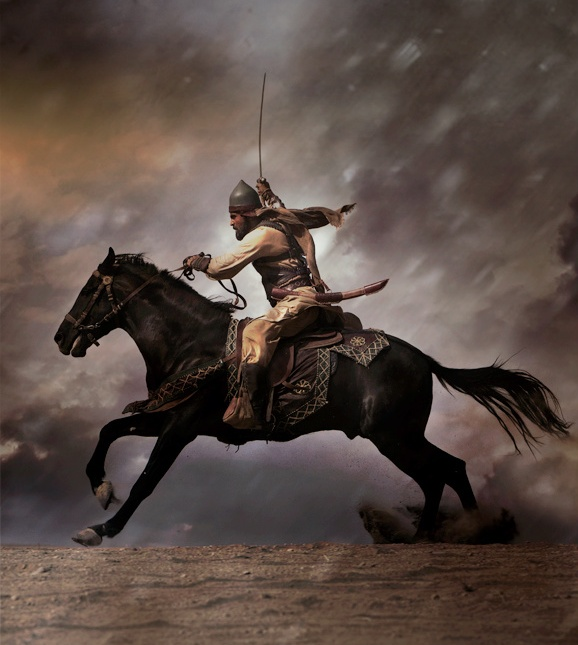 khalid ibn el waleed In fact , the reader of history will find that khalid ibn al-waleed was a military strategist and commander with very few equals in human history, a man who turned many a defeat or near defeat into glorious victories, as well shall see in the few examples we will be quoting.