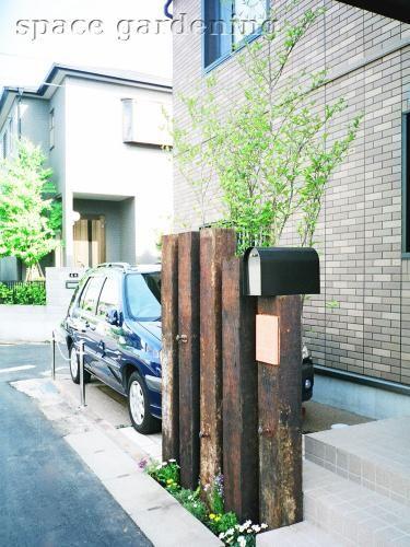 オープン外構 門柱 枕木