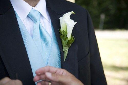 Wie dragen er meestal corsages tijdens de huwelijksdag?