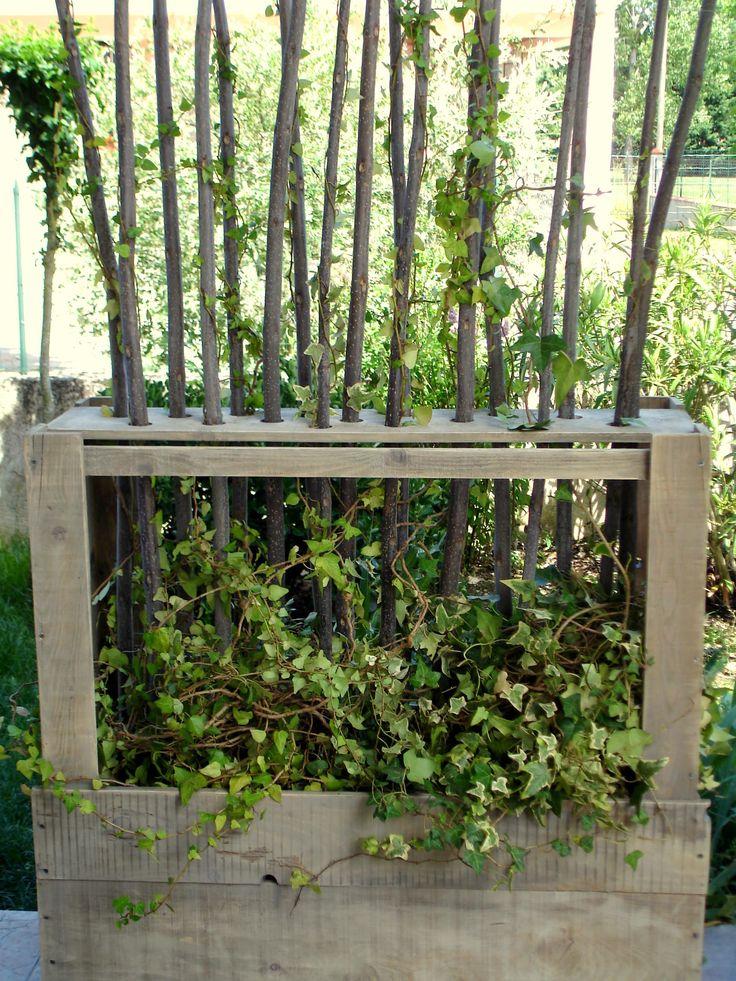 Popular Paravent V g tal En Bois De Palettes Upcycled Wooden Pallet Vegetal Fence