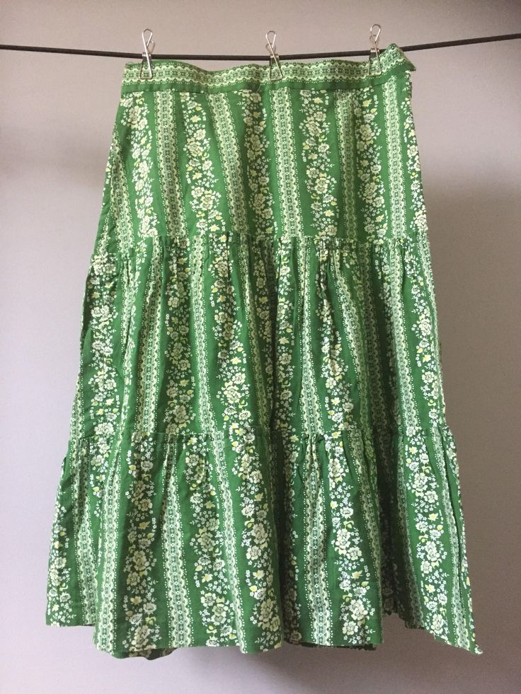 Boho/hippie/chic/skirt/1970s/hidden side sipper/size 8/10 US by WifinpoofVintage on Etsy