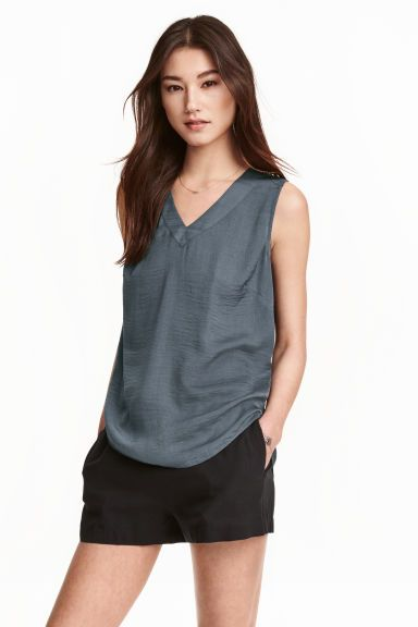 Sleeveless blouse | H&M | missed out on this!