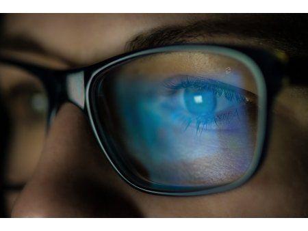 OPTICA OPTOCRIS din Iasi va ofera o gama diversa de rame de ochelari si de soare.  GRATUIT oferim: consultatii, toc, laveta.