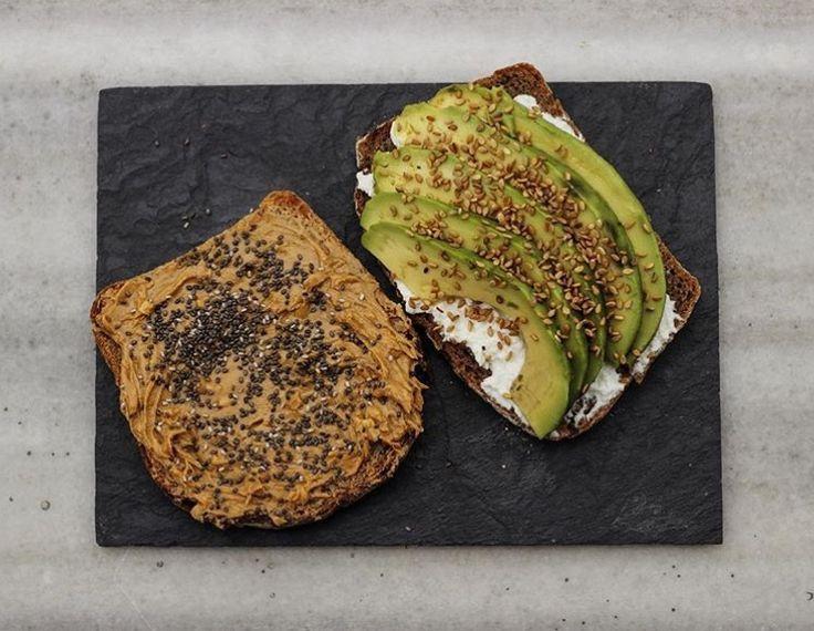 •Kahvaltılık•  Ekmek:Fıstık ezmesi+chia tohumu Ekmek:Labne+avokado+keten tohumu
