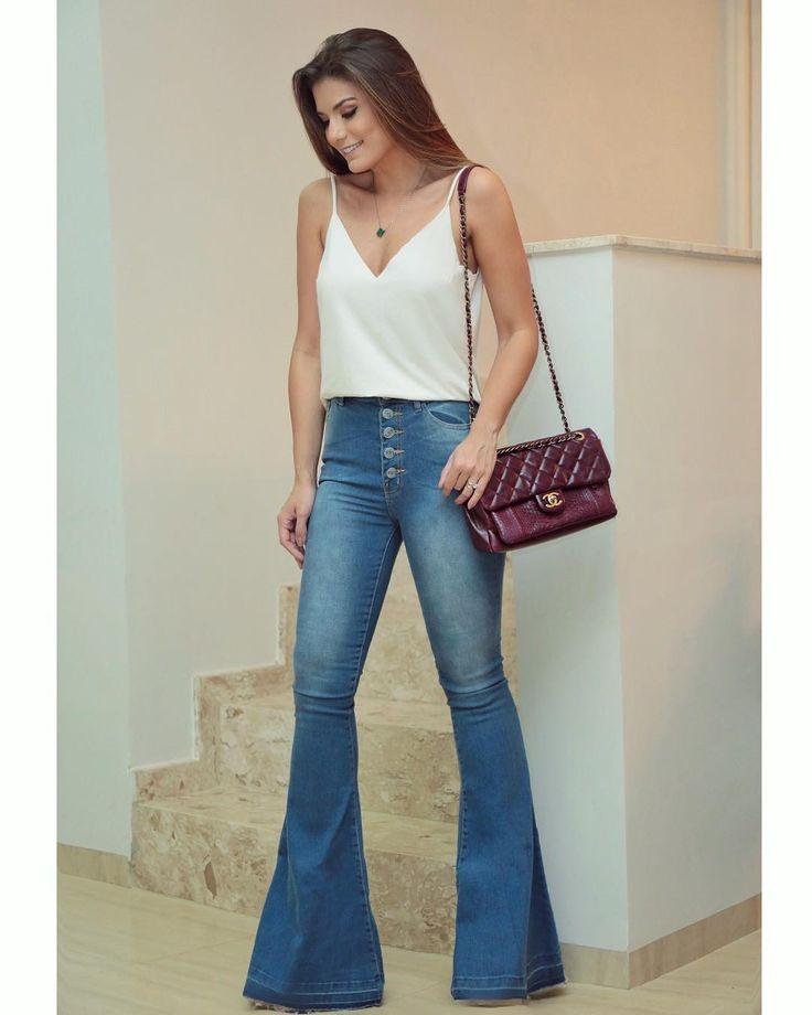 "16.6k Likes, 51 Comments - Blog Trend Alert (@arianecanovas) on Instagram: ""{Saturday } Com look todo @lescloches Muito amor nessa super flare jeans de botões + regatinha…"""