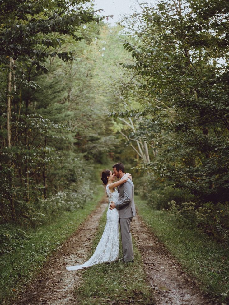 Pittsburgh Wedding Photographer. A perfect wedding. HER DRESS!! beautiful.