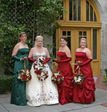 Google Image Result For Weddingallabout Wp Content Uploads 2011 12 Christmas Wedding Bridesmaids