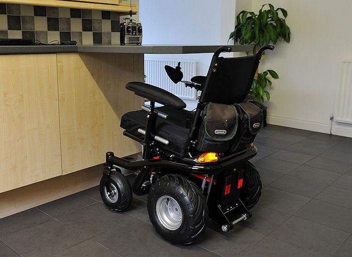 A wheelchair accessible kitchen some ideas to inspire you for Kitchen design for wheelchair user