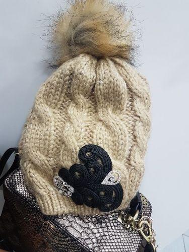 Σκουφάκι στολισμένο με μπροκάρ μοτιφ και κρύσταλλα  http://handmadecollectionqueens.com/Σκουφακι-με-μπροκαρ-μοτιφ-και-κρυσταλλα  #handmade   #fashion   #women   #accessories   #winter   #storiesforqueens   #beanies