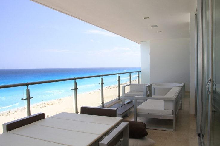 Cancun is a city in South Eastern Mexico and is located on the North-east coast of Yucatan Peninsula in the Mexican city. It is a leading and a renowned tourist destination across the globe.